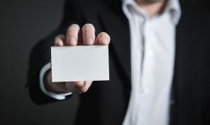 В Казахстане предлагают обязать госслужащих носить именные бейджи