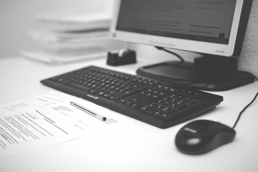Роструд и Сбербанк впервые провели электронную проверку кадровых документов