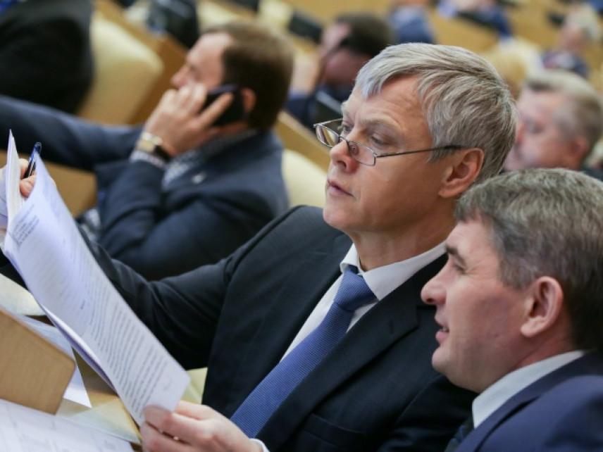 Законопроект о повышении МРОТ принят Госдумой в третьем чтении