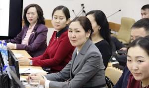 Руководители госорганов Якутии делятся опытом с молодыми муниципалами