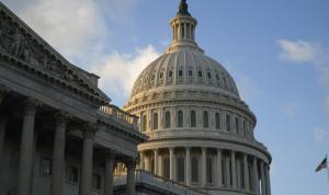 В США хотят запретить оплачивать портреты чиновников из госбюджета