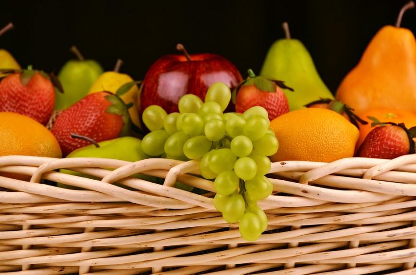 Чиновники Малайзии смогут принимать фрукты и цветы в качестве подарков