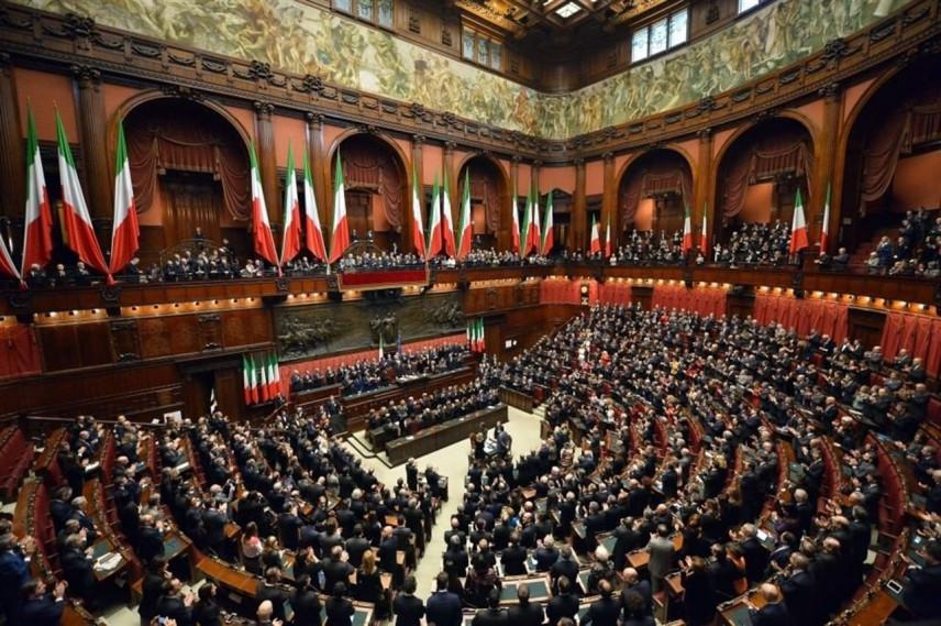 В Италии госслужащих будут увольнять за прогулы и недостойное поведение