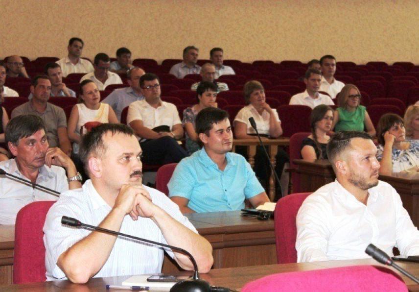 Почти 100 управленцев борются за право попасть в «Команду Ижевска»