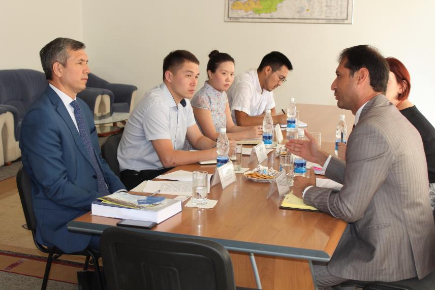В Киргизии решают вопросы интеграции лиц с ограниченными возможностями на госслужбу