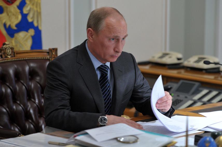Владимир Путин подписал закон о контроле за расходами бывших госслужащих