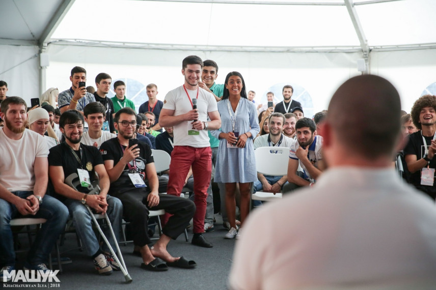 Глава Карачаево-Черкесии анонсировал создание молодежного кадрового резерва