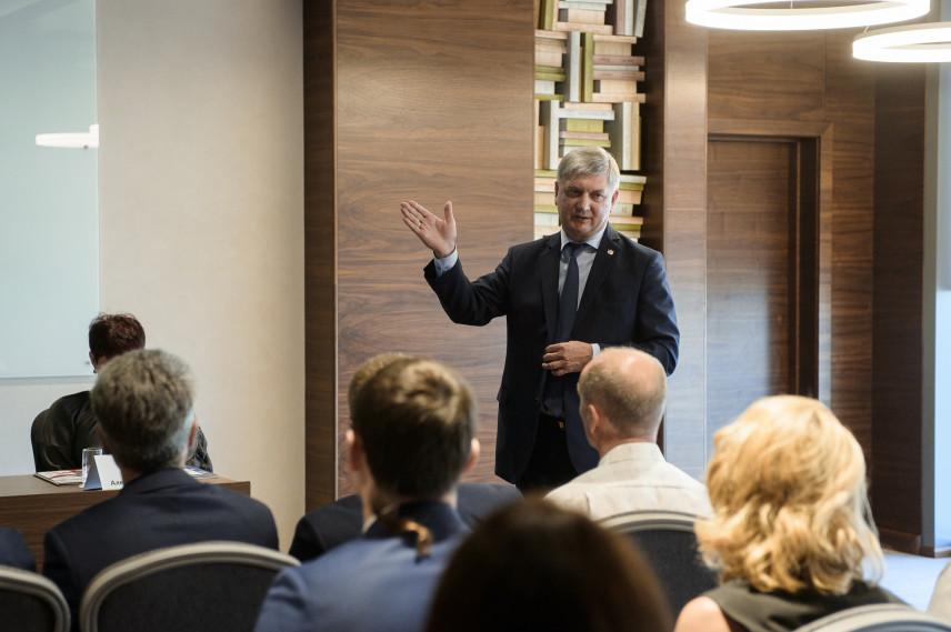 Глава Воронежской области посетил управленческую платформу имени Эйтингона