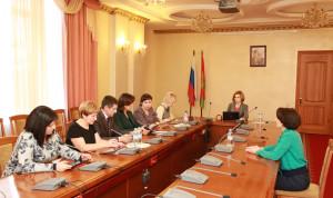 Конкурсная комиссия Липецкой области использует на заседаниях планшеты вместо бумажных документов