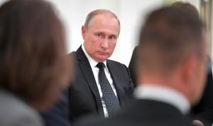 Президент распорядился провести семинары-совещания по борьбе с коррупцией