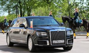 Российские госслужащие будут ездить на «Кортеже»
