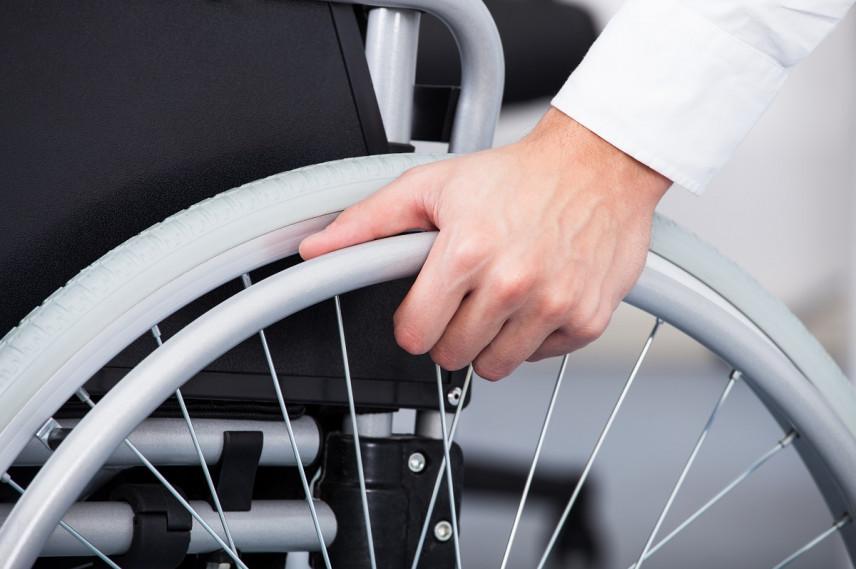 Глава Карелии призвал принимать на госслужбу больше людей с ограниченными возможностями
