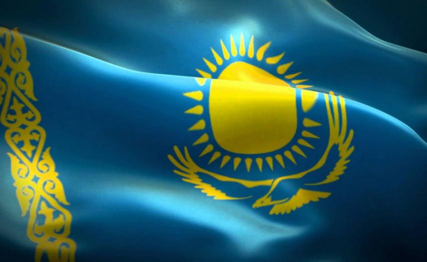 Госслужащие Казахстана оценили морально-психологический климат