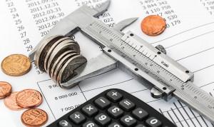 Росстат: В 2018 году средняя зарплата госслужащих в регионах выросла на 12,2%
