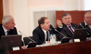 Депутаты Псковского областного Собрания изменили региональный закон о госслужбе