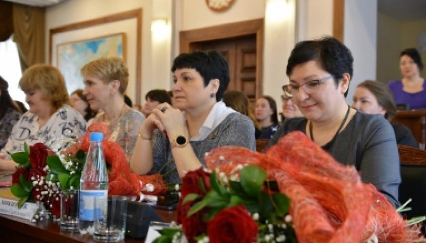 Лучшие муниципалы округов Колымы и города Магадана отмечены губернатором региона