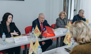 В Госдуме предлагают урегулировать соотношение зарплат руководителей и работников госструктур