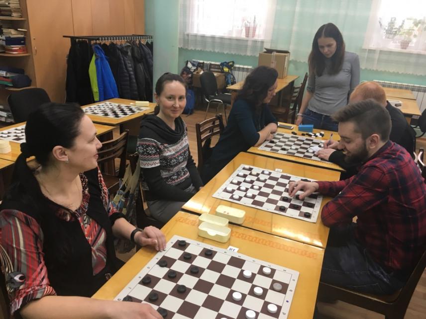 Муниципальные служащие Ижевска  соревновались в шашках