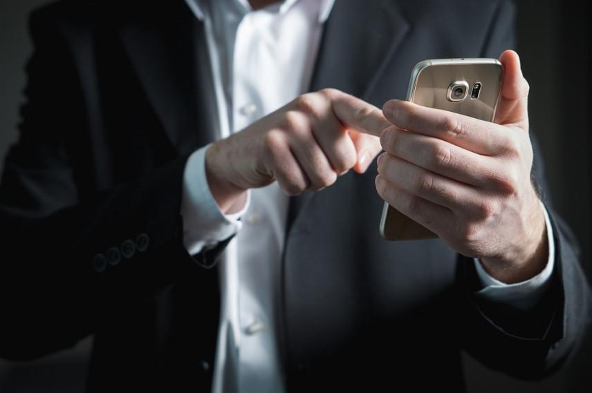 «Ростелеком» выбрал поставщиков смартфонов для госслужащих