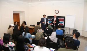 Студенты Бирмингемского университета познакомились с опытом профразвития госслужащих Петербурга