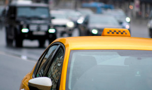 Госслужащих Забайкалья хотят пересадить на такси с системой ГЛОНАСС