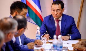 Глава Якутии отметил важность привлечения молодых кадров на госслужбу