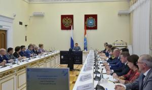 Глава Самарской области провел совет по развитию кадровой политики региона