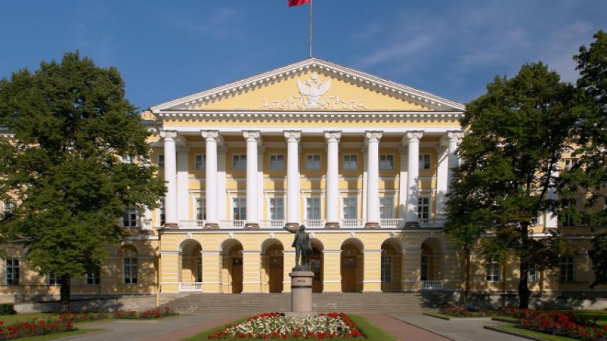 В Петербурге отобрали советников губернатора