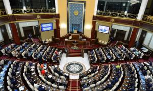 Поправки об ответственности первых руководителей внесли в нижнюю палату парламента Казахстана
