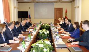 Глава Липецкой области встретился с участниками программы развития кадрового резерва
