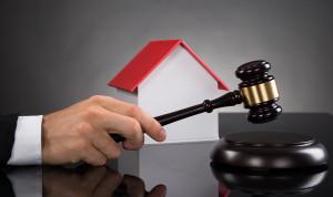 КС считает законным изъятие имущества у родных и друзей коррупционеров