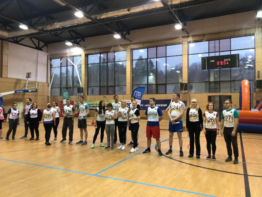 Соревнования для госслужащих под лозунгом «Вперед — к ГТО» прошли в Ленинградской области