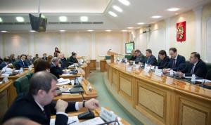 Эксперты: Вопросы по конфликту интересов госслужащих нуждаются в корректировке