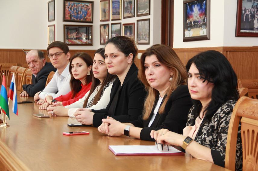 Дагестанским госслужащим вручили дипломы о переподготовке