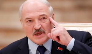 Президент Белоруссии пригрозил чиновникам тюрьмой за формализм и работу «для галочки»