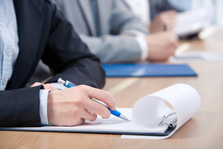В Свердловской области утвердили порядок осуществления профразвития госслужащих