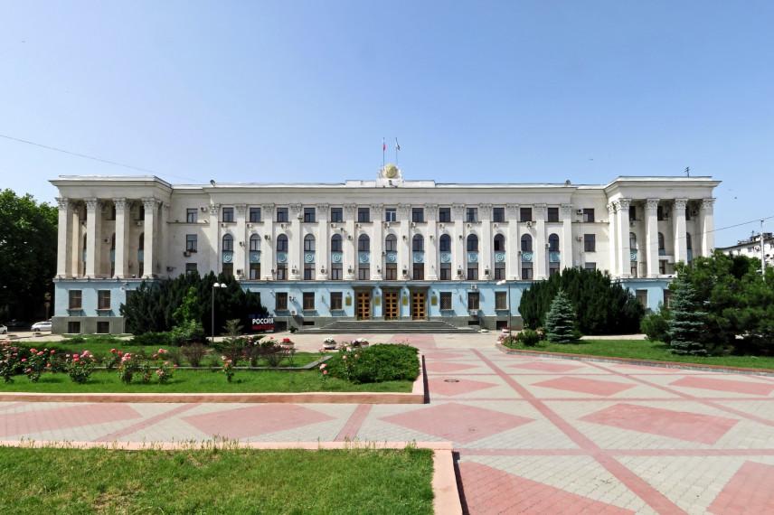 Крымским чиновникам пообещали круглосуточную работу в 2020 году