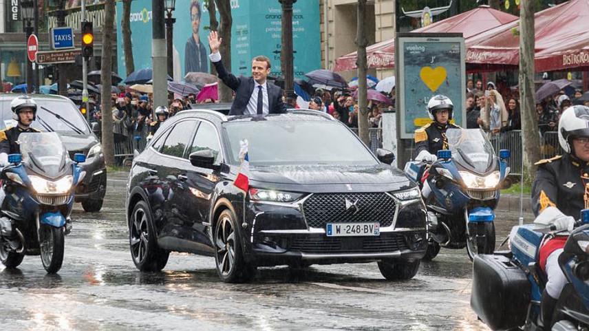 Президент Франции пересядет на автомобиль с гибридным двигателем