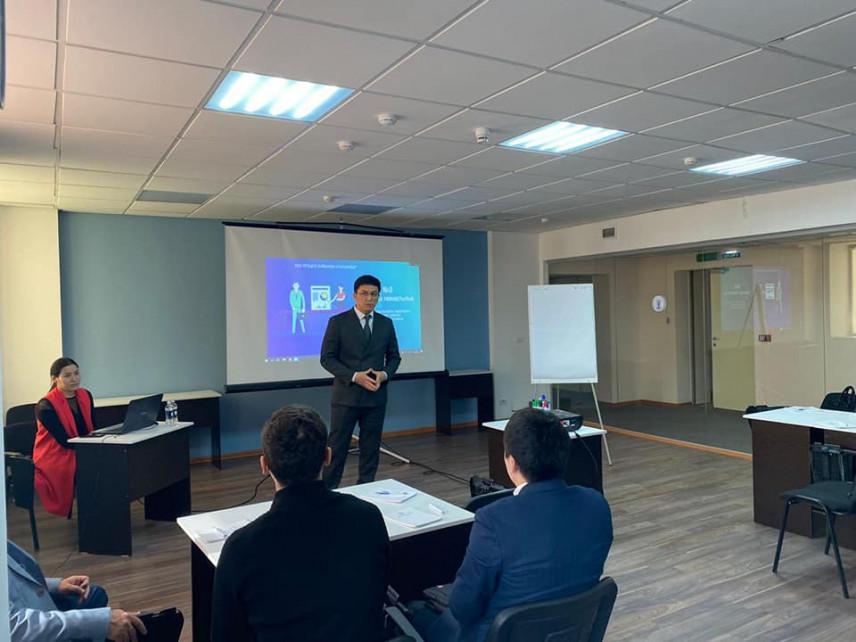 В Казахстане у слушателей Школы молодого госслужащего начались занятия