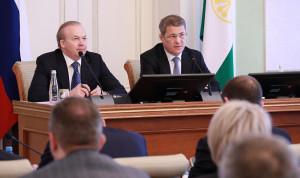 Глава Башкирии возмущен «чиновничьим туризмом»