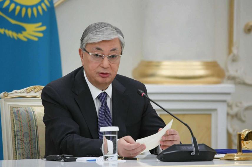Президент Казахстана поручил сократить праздничные выходные