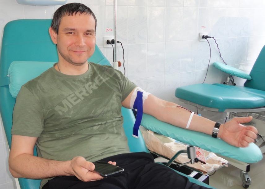 Тамбовские госслужащие помогают областному банку крови