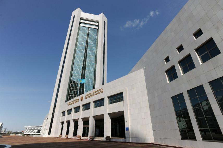 Для чиновников Казахстана наказания за незаконное обогащение пока не будет