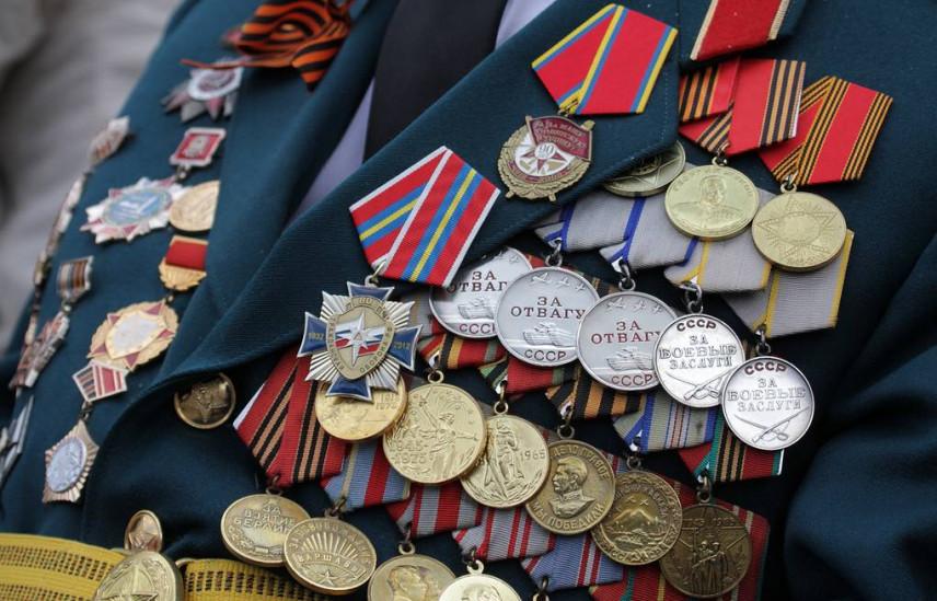 На Ямале чиновники подарят ветеранам телевизоры