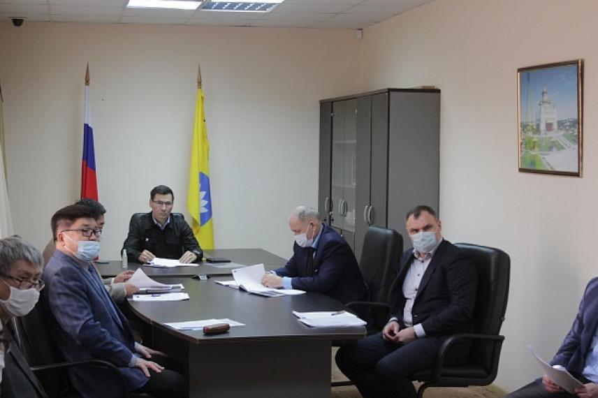 В Калмыкии главы районов отчитались о готовности к борьбе с COVID-19