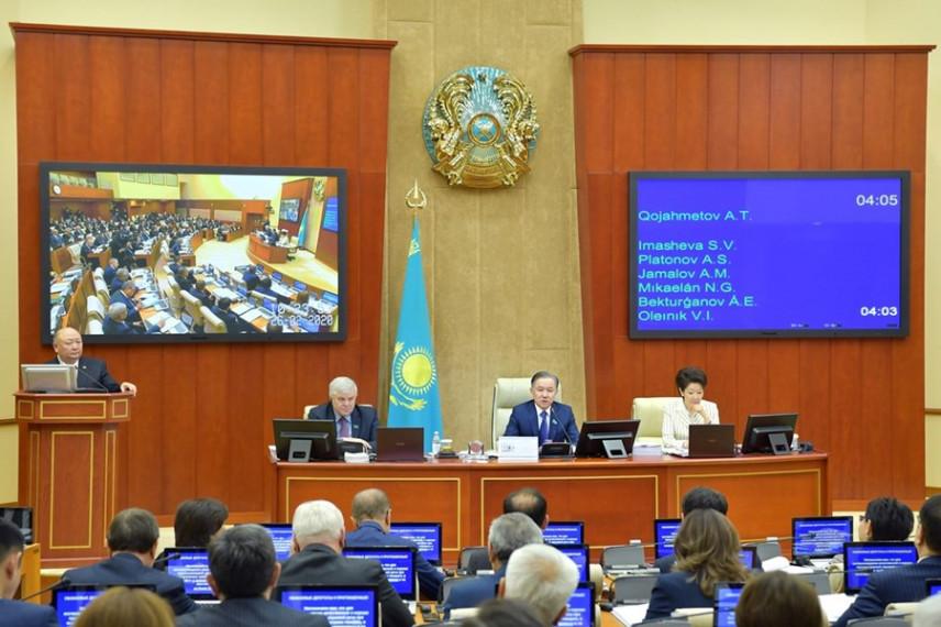 В Казахстане продолжают совершенствовать законодательство о госслужбе