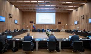 Госслужащие Словении получат надбавки за риски во время пандемии