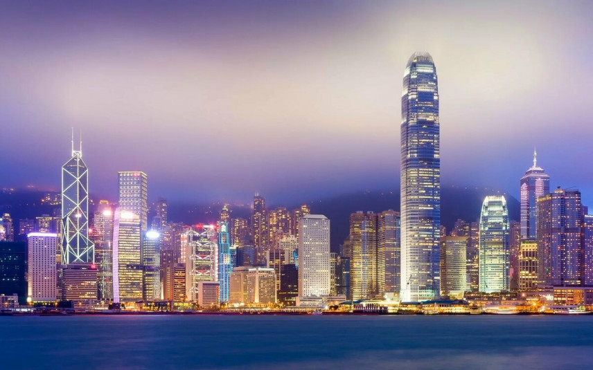 Госслужащие Гонконга вернутся на работу в начале мая