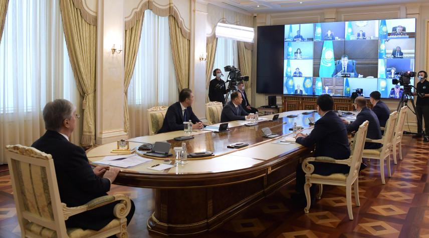 Президент Казахстана предложил сохранить дистанционный формат заседаний и совещаний