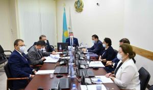 В комитете сената Казахстана обсудили изменения в законы о госслужбе